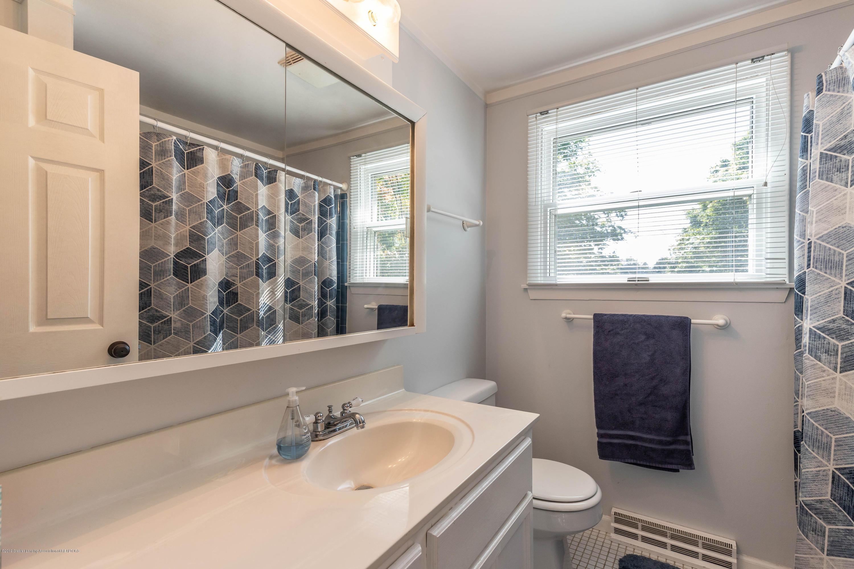 842 Tarleton Ave - Community Bath - 22