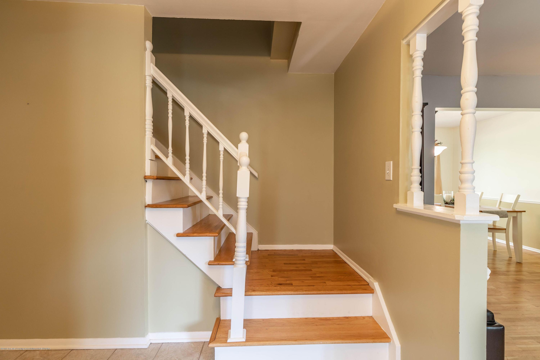 842 Tarleton Ave - Foyer - 3