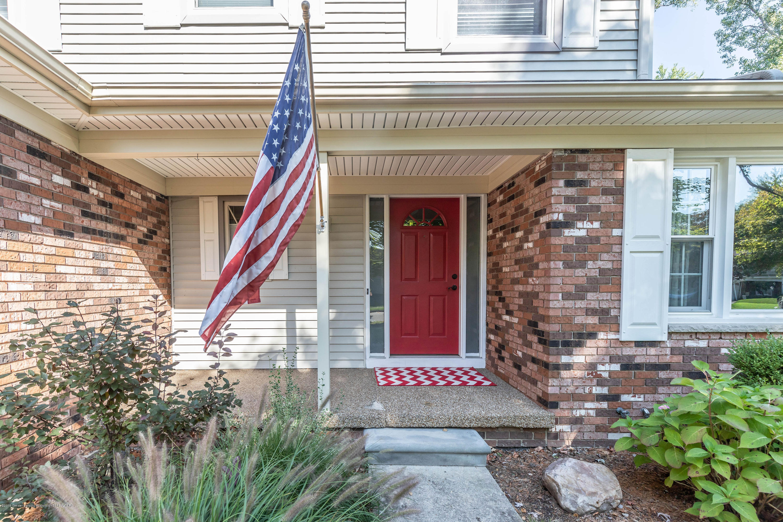 842 Tarleton Ave - Front Porch - 2