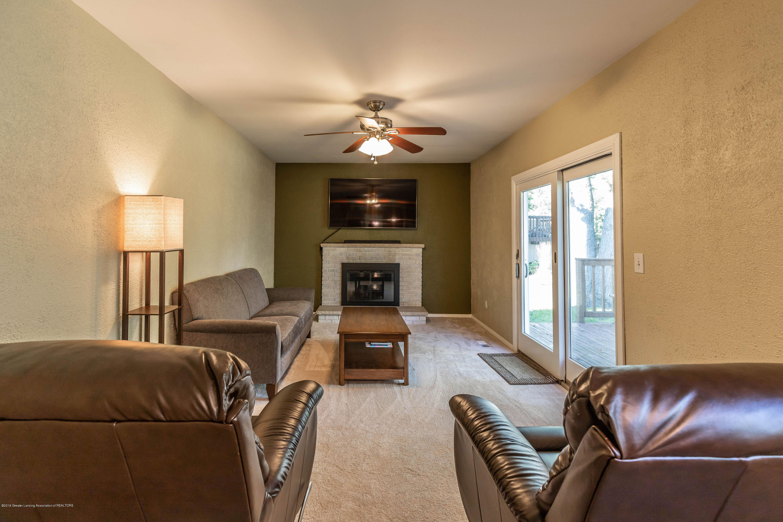 842 Tarleton Ave - Family Room - 12