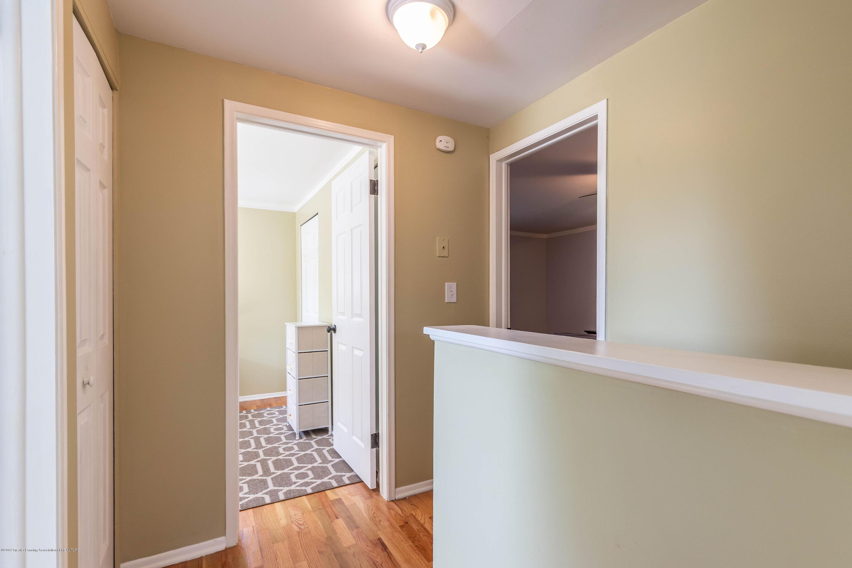 842 Tarleton Ave - Hallway - 21