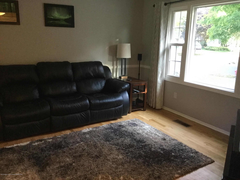 842 Tarleton Ave - Living Room - 7