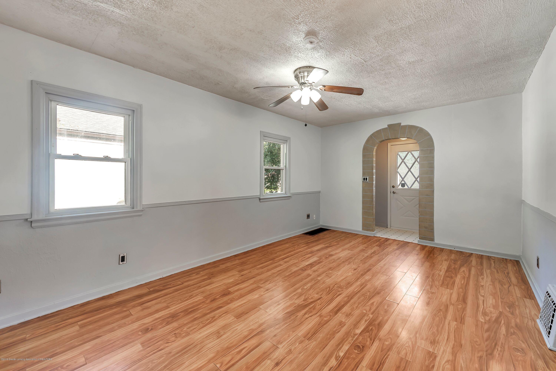 819 Holten St - living room - 4