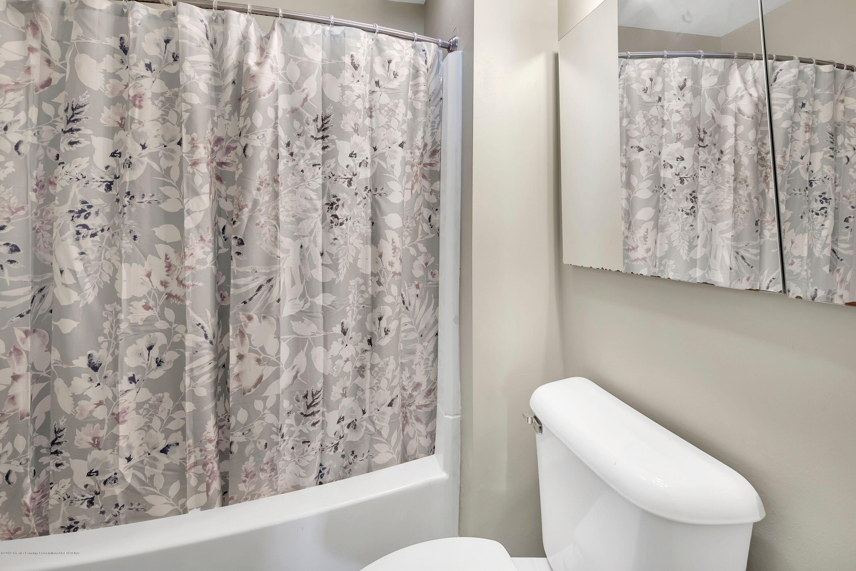819 Holten St - bathroom1 - 10