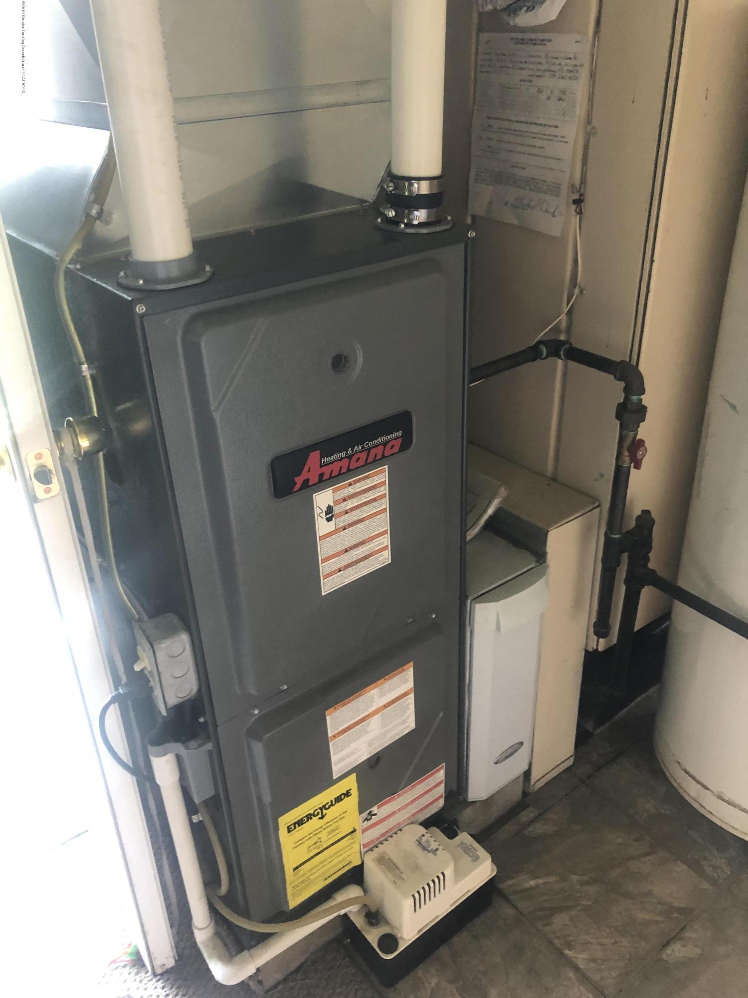 15870 Park Lake Rd - newer furnace - 19