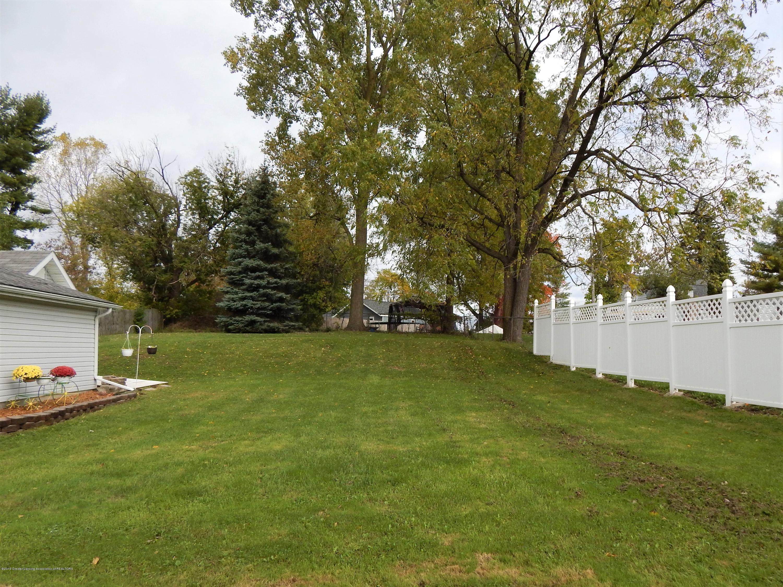 2605 Hazelwood Dr - Yard - 29