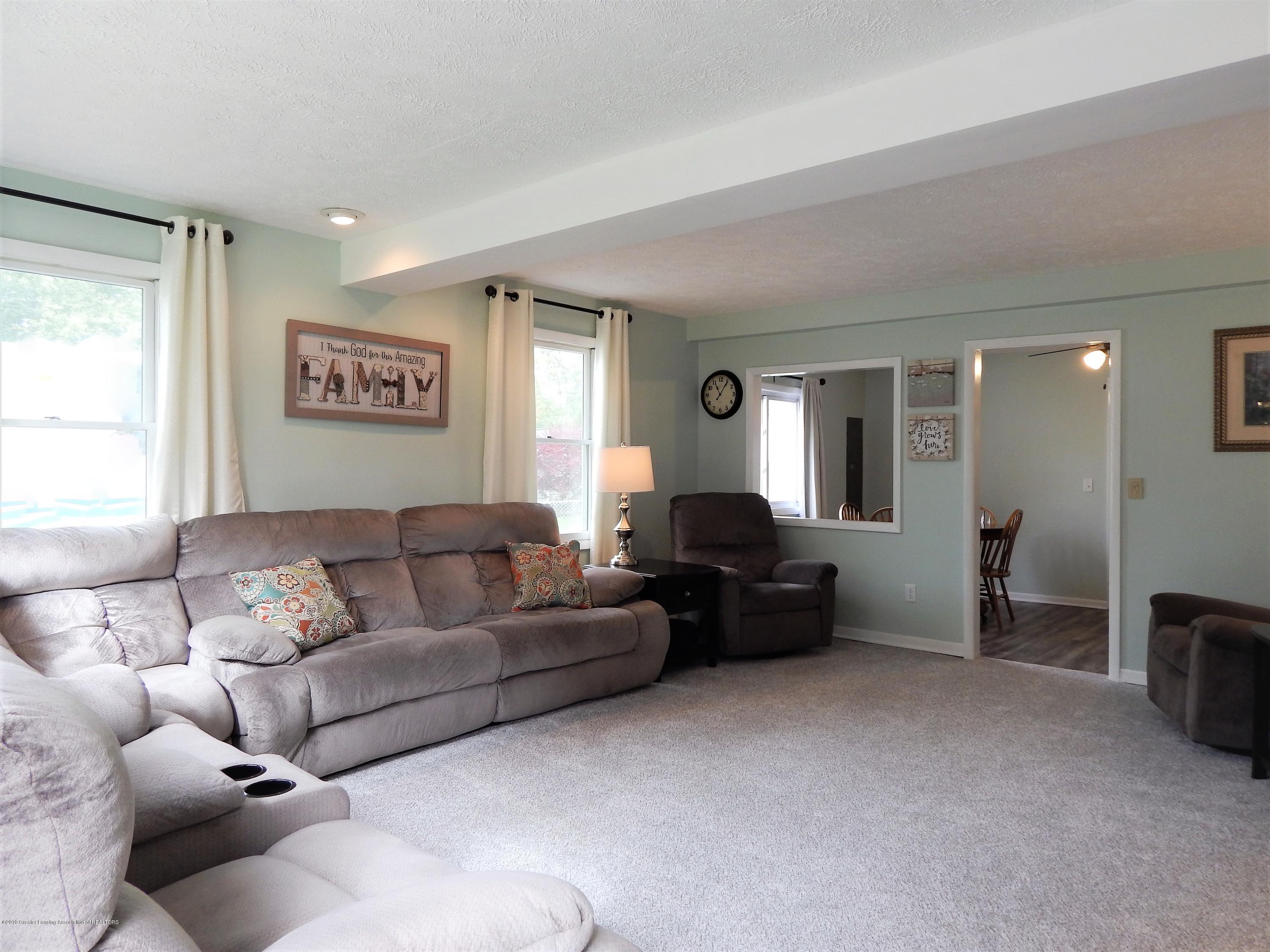 2605 Hazelwood Dr - Living Room - 5