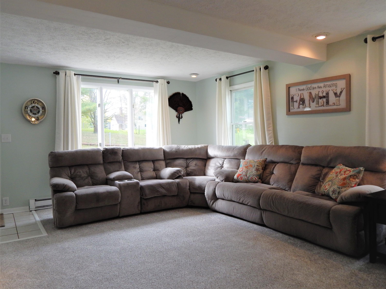 2605 Hazelwood Dr - Living Room - 6