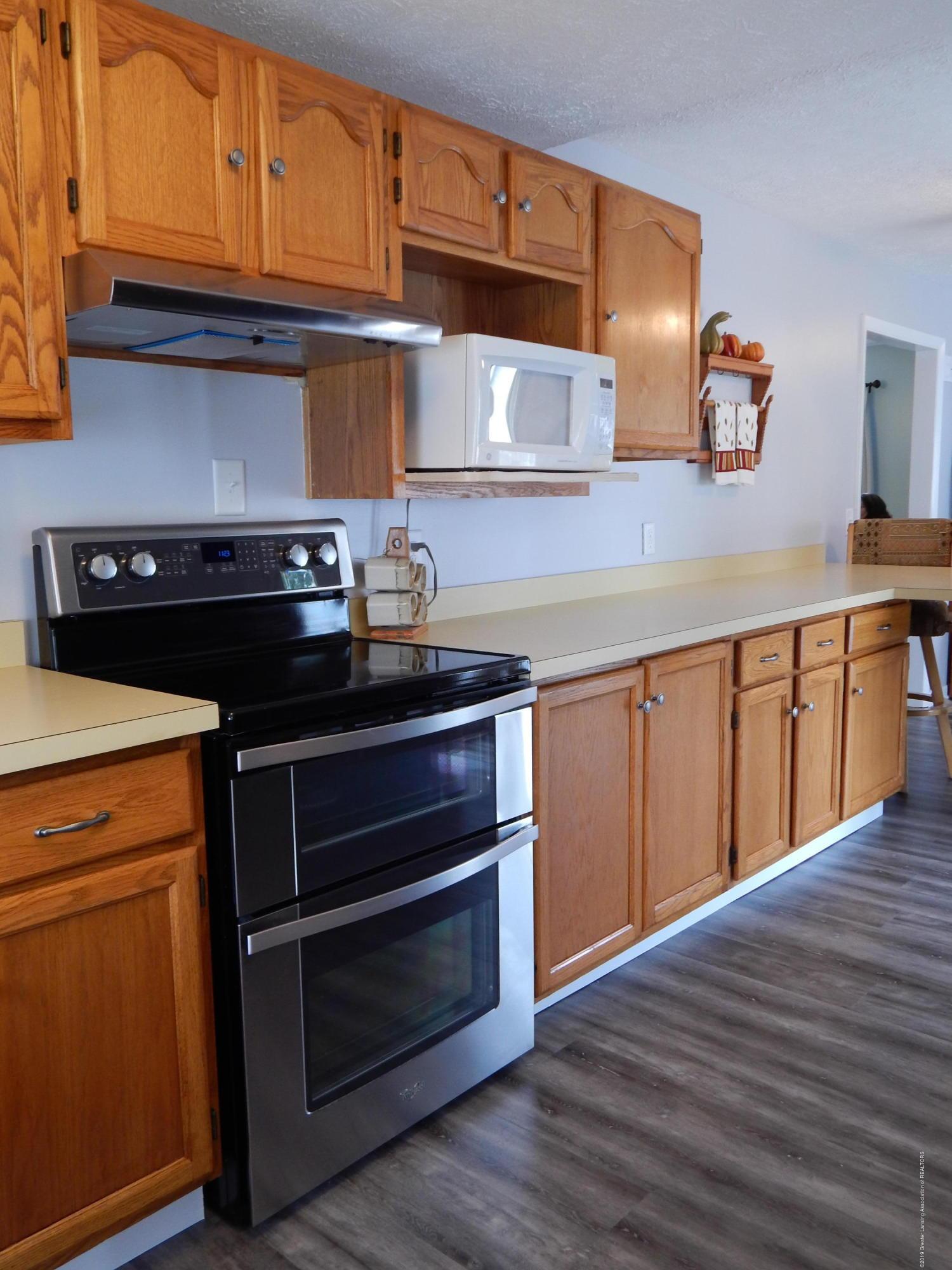 2605 Hazelwood Dr - Kitchen - 17
