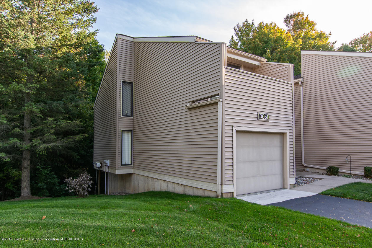 3651 E Meadows Ct 46 - End unit - 2