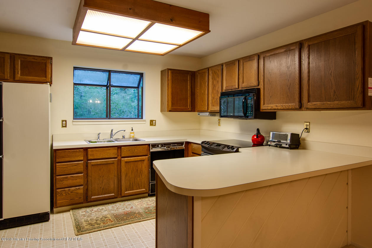 3651 E Meadows Ct 46 - Kitchen - 10