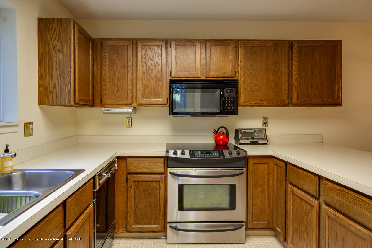 3651 E Meadows Ct 46 - Kitchen - 9