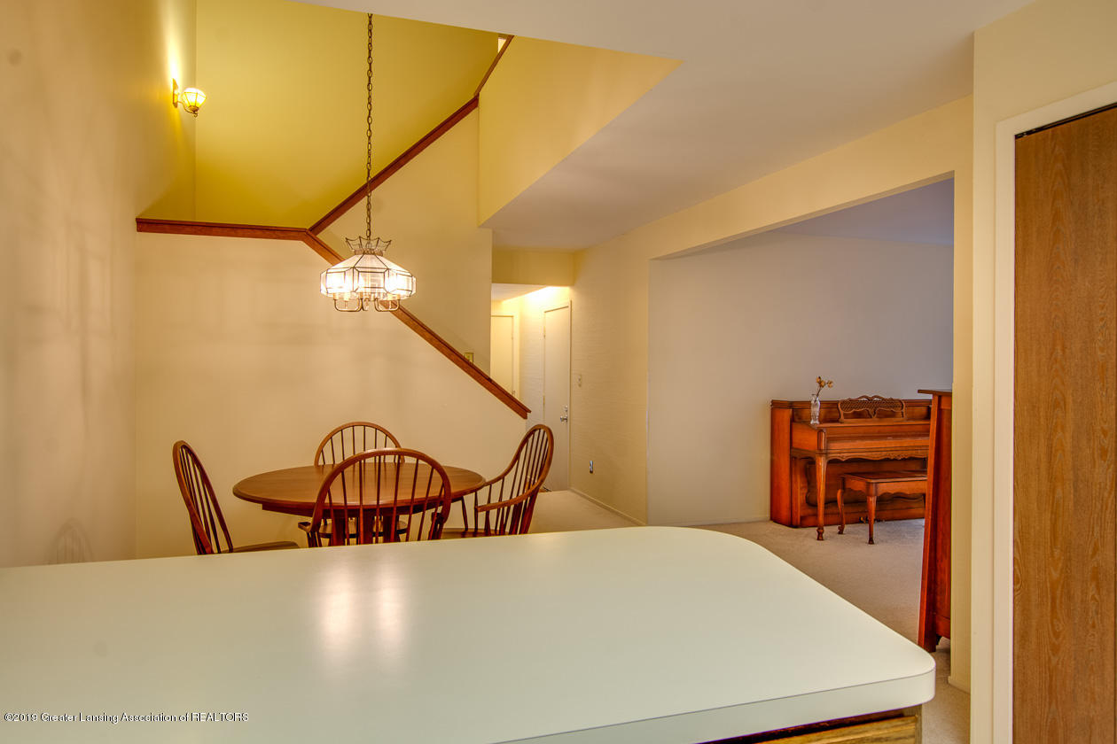 3651 E Meadows Ct 46 - Dining/ Open stairway - 7