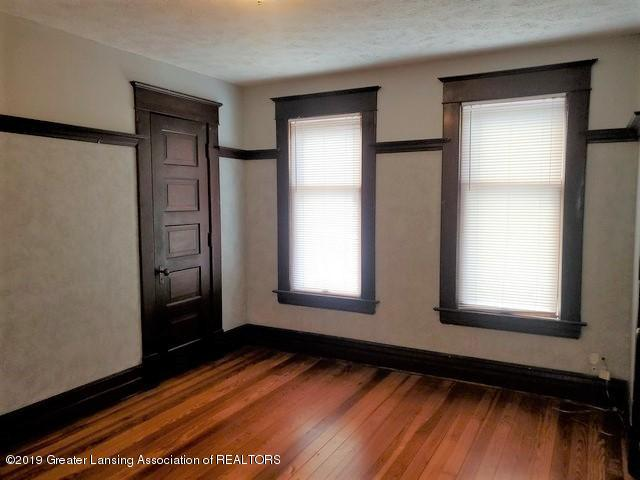 807 N Capitol Ave - Bed4-2 - 32