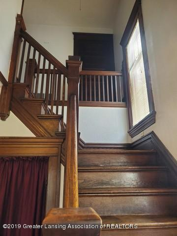 807 N Capitol Ave - Stairs1 - 7