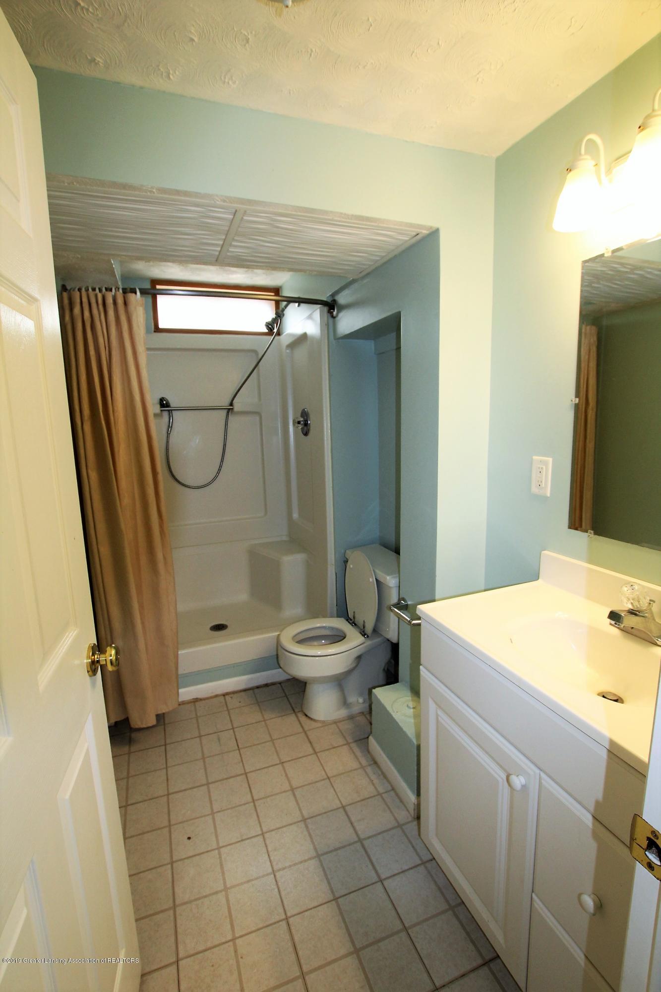 415 Park St  - 2nd Bathroom - 27