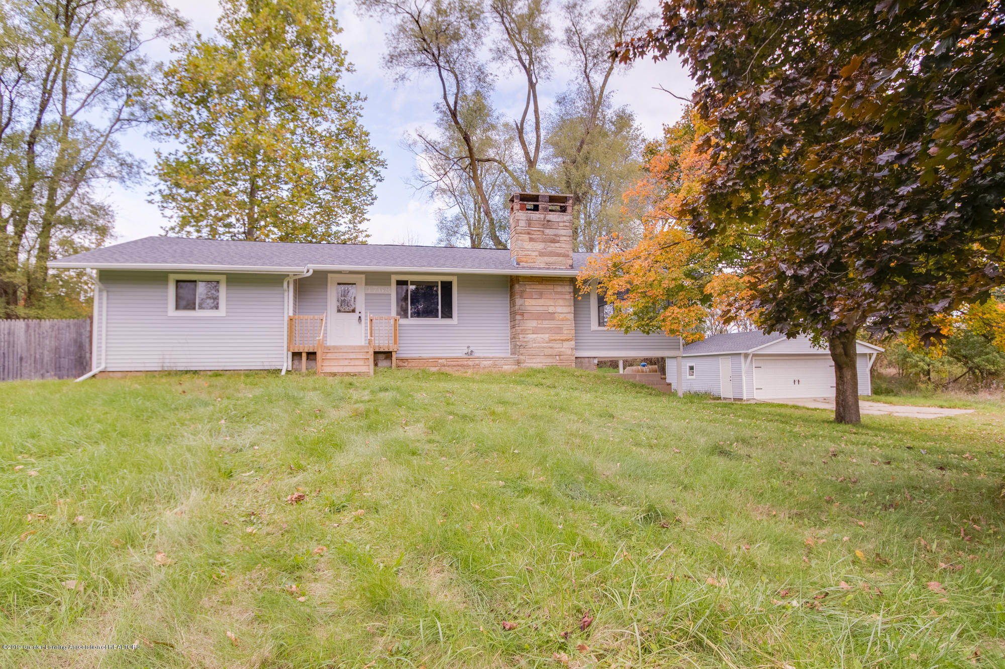 4768 Olds Rd - Front of House - 1