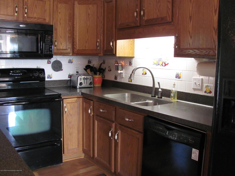 3643 E Vermontville Hwy - Kitchen - 18