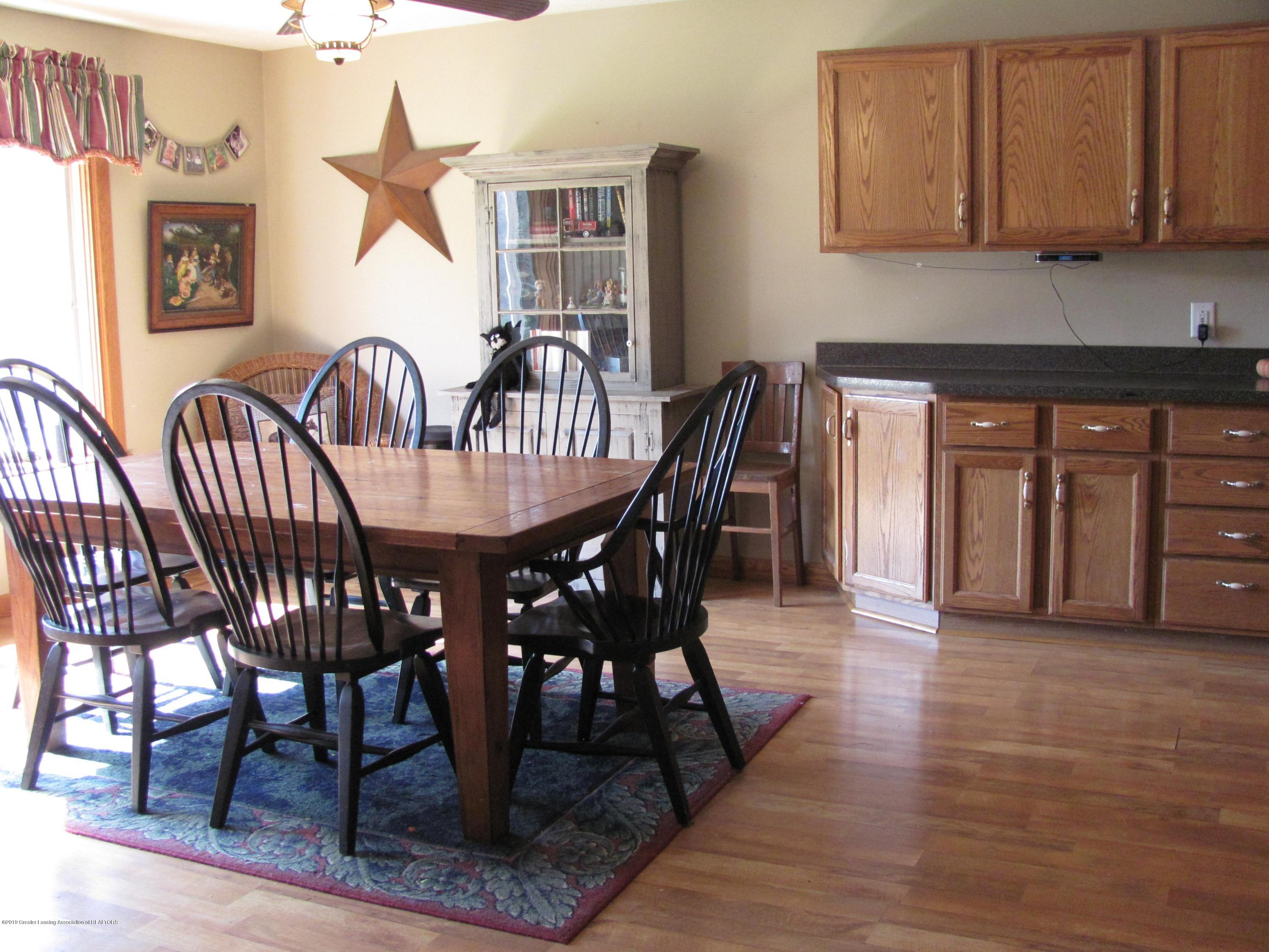 3643 E Vermontville Hwy - Dining area - 12