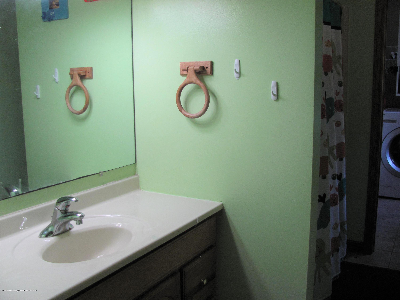 3643 E Vermontville Hwy - Full bath - 24
