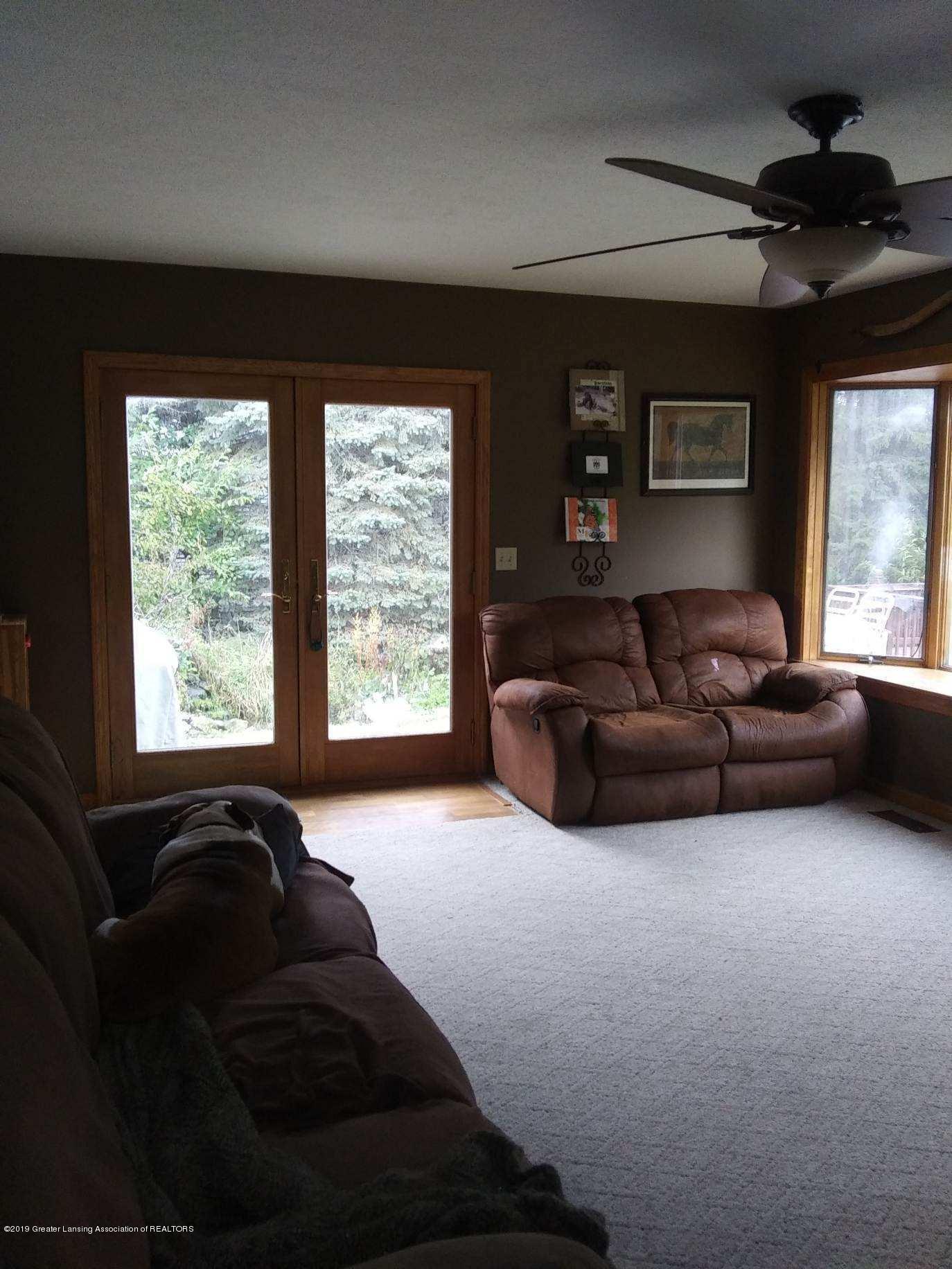 3643 E Vermontville Hwy - Family room - 20