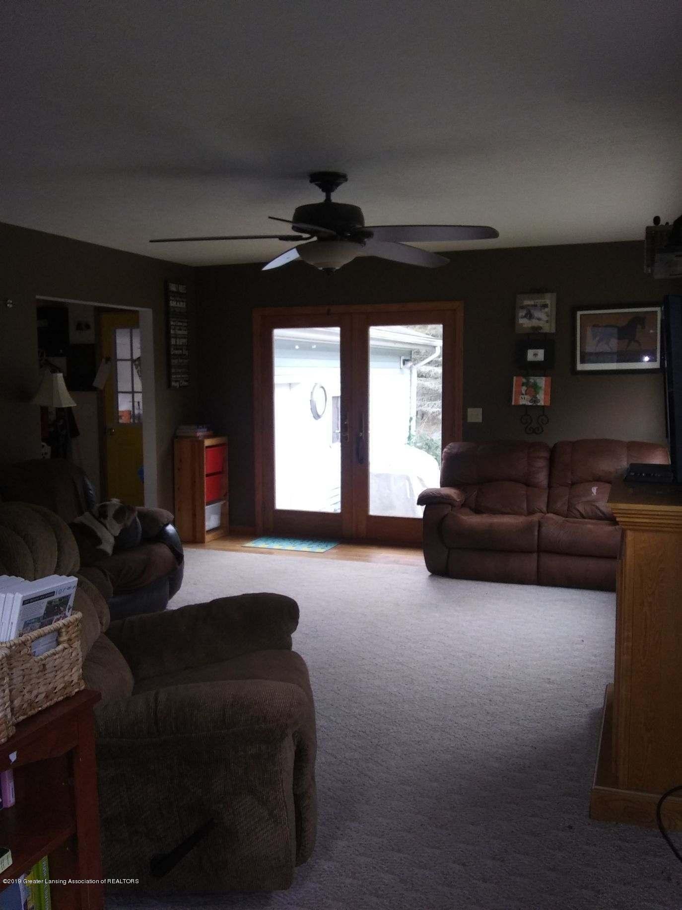 3643 E Vermontville Hwy - Family room - 21