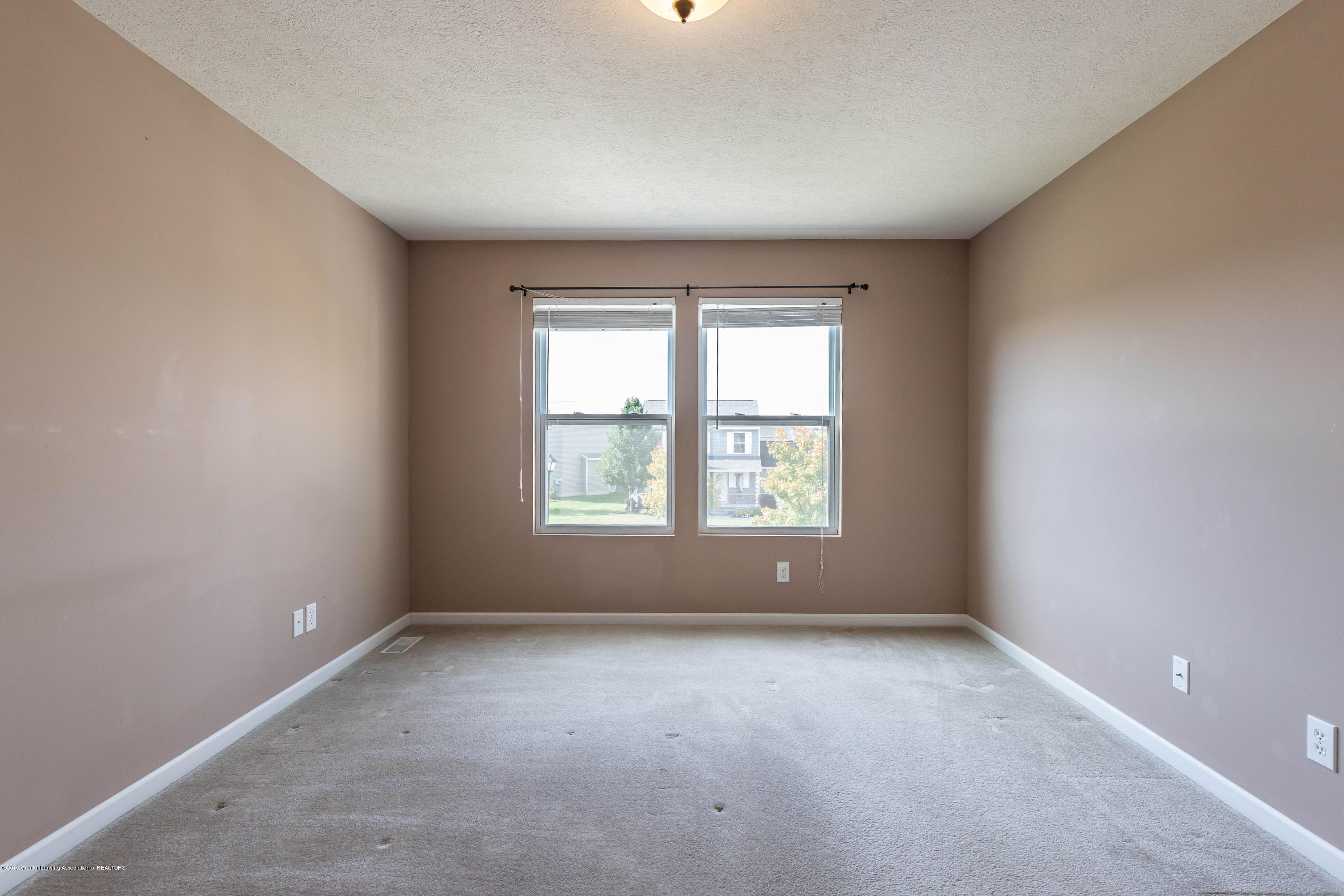 15125 Loxley Ln - loxleybed1(1of1) - 12