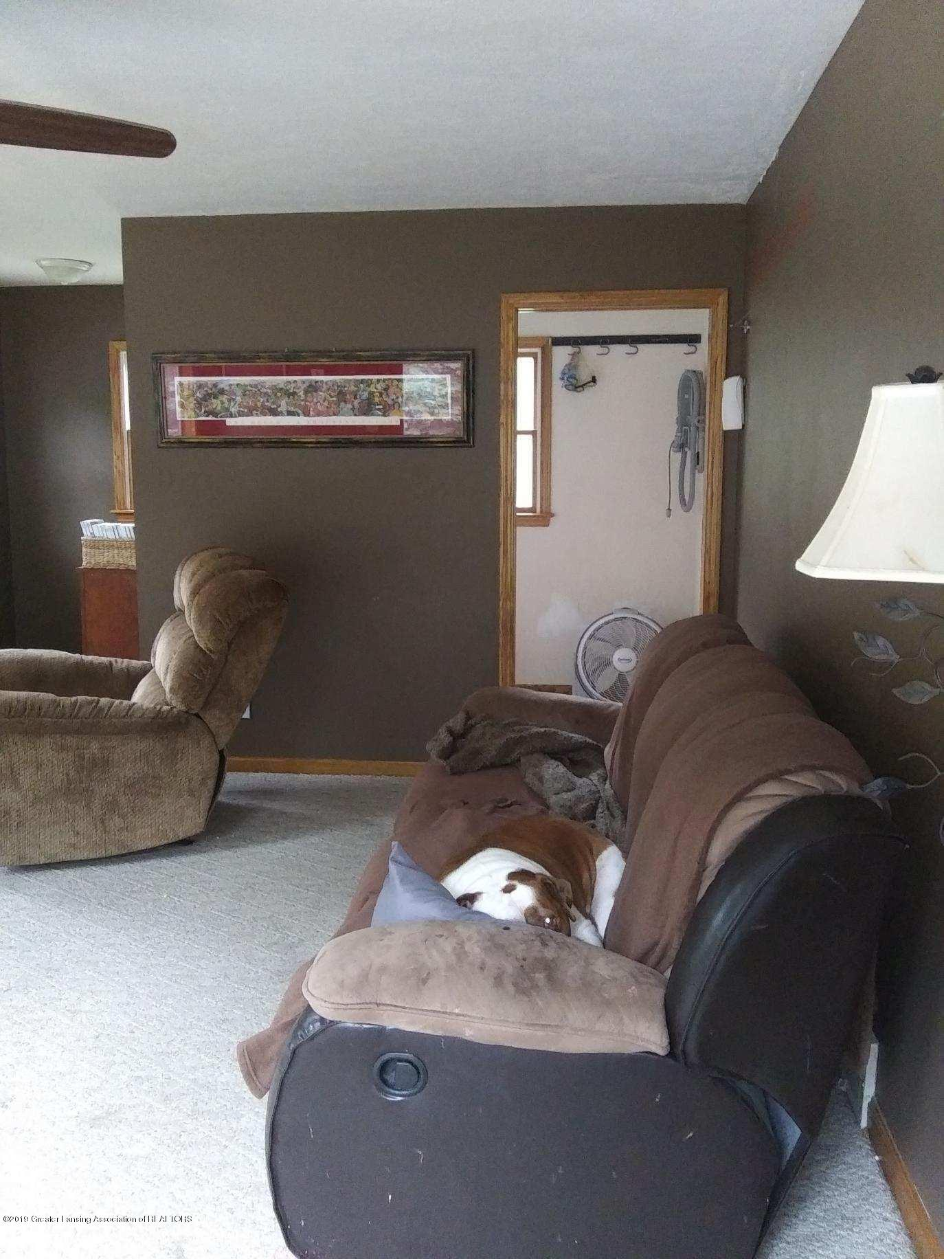 3643 E Vermontville Hwy - Family room - 22