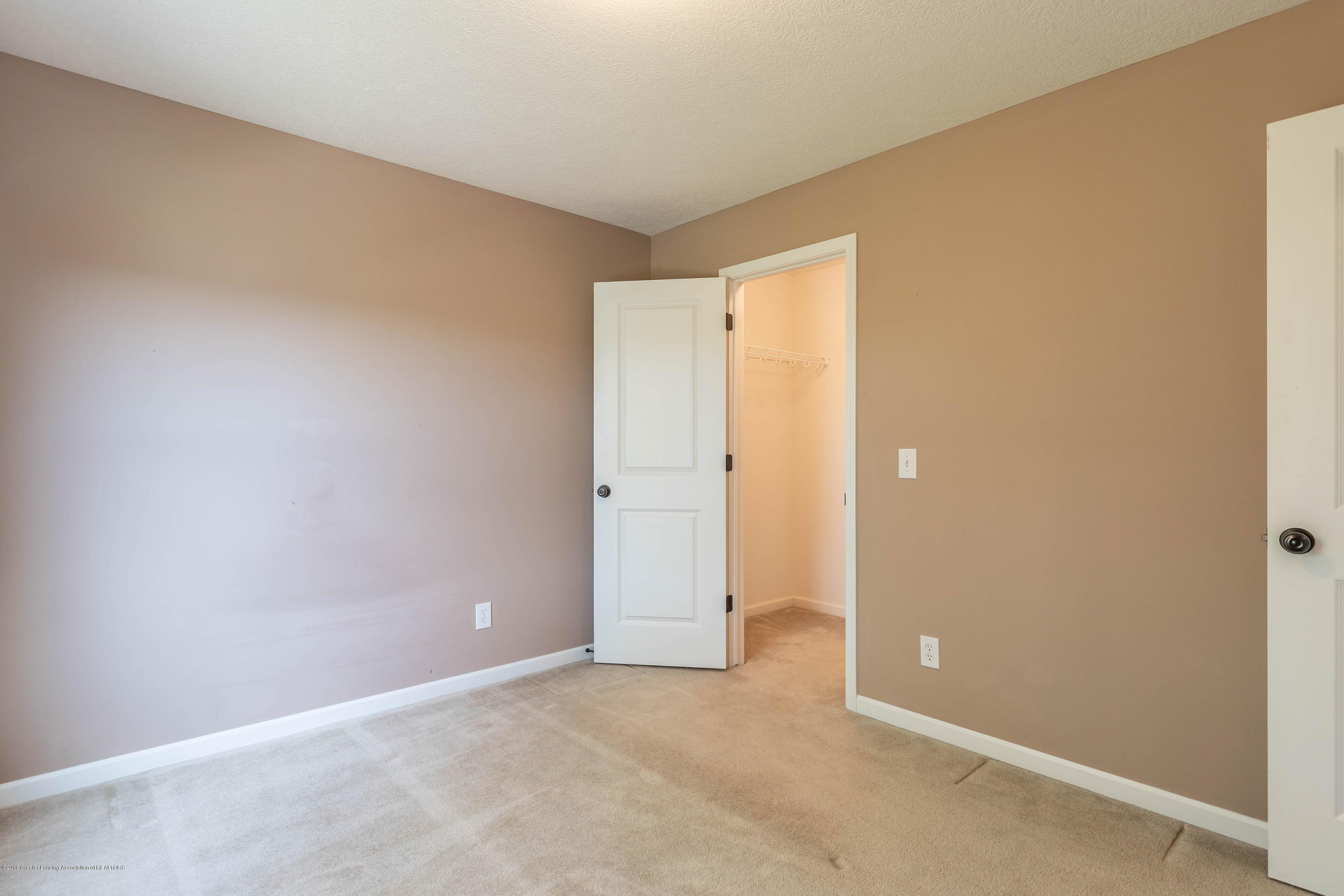 15125 Loxley Ln - loxleybed31(1of1) - 19
