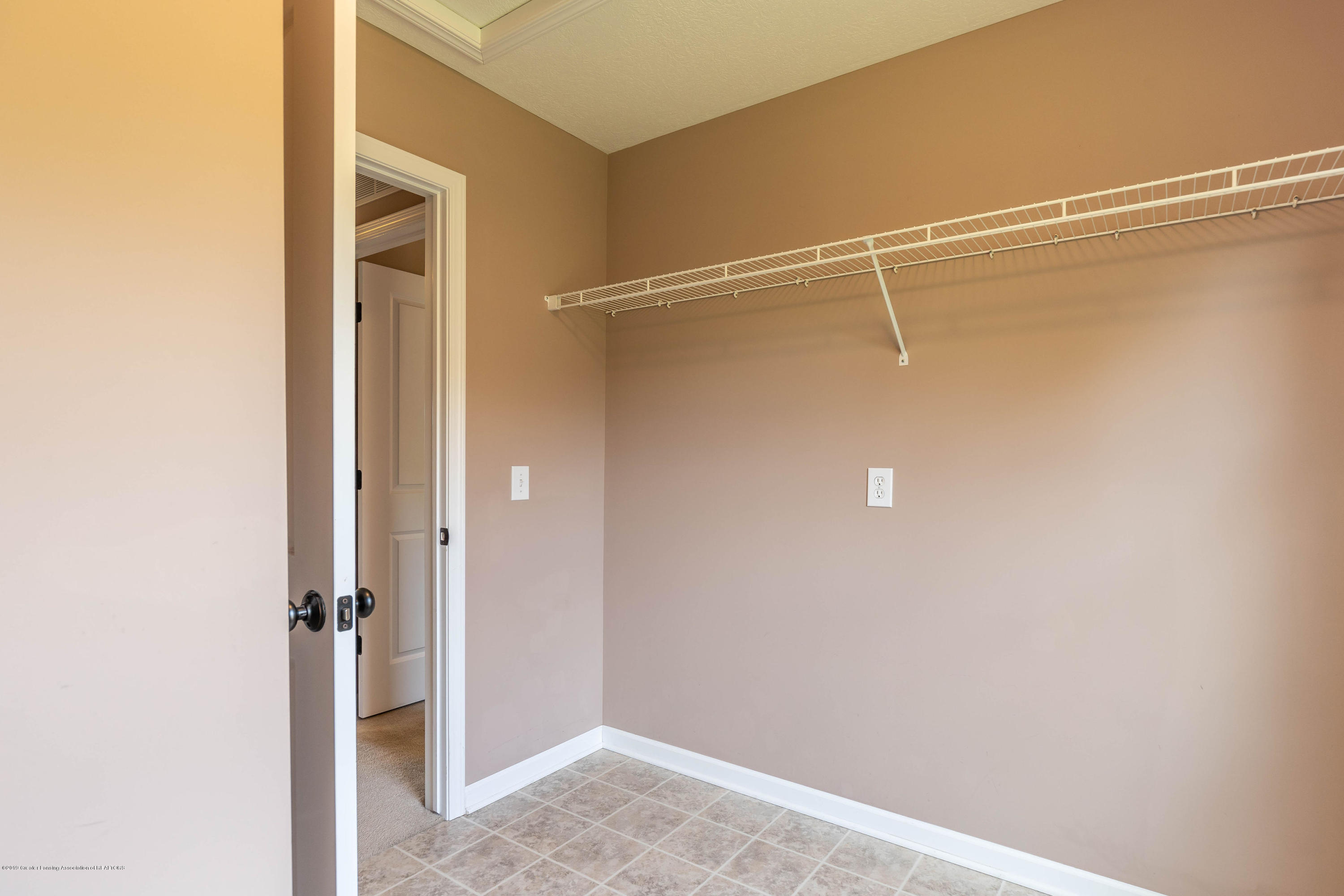 15125 Loxley Ln - loxleylaundry(1of1) - 21