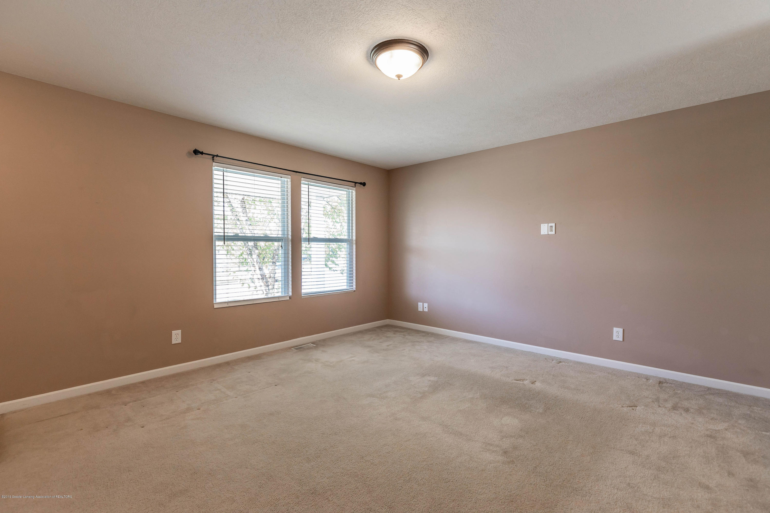 15125 Loxley Ln - loxleyliving2(1of1) - 4