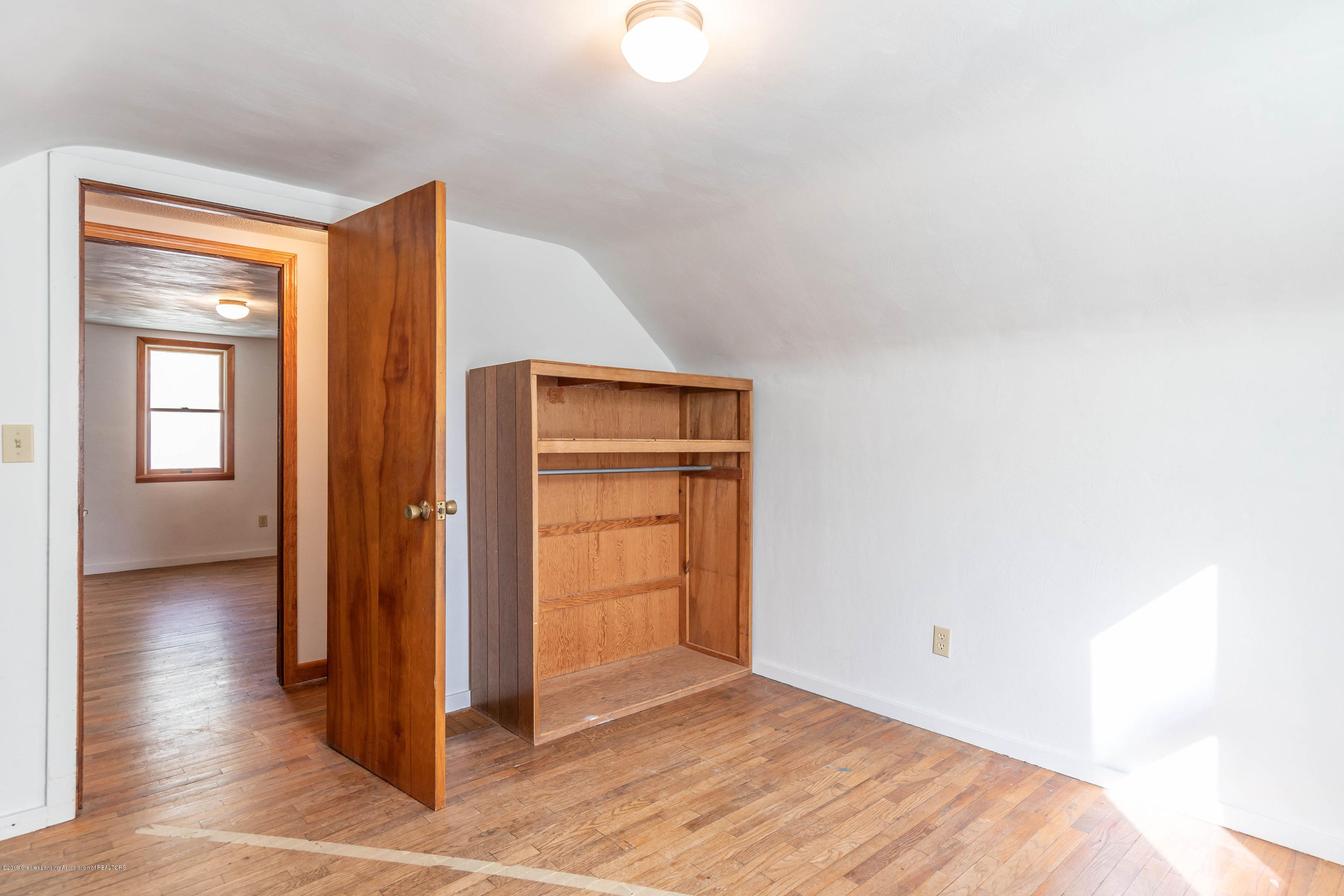 828 Hein Ave - heinbed31(1of1) - 23