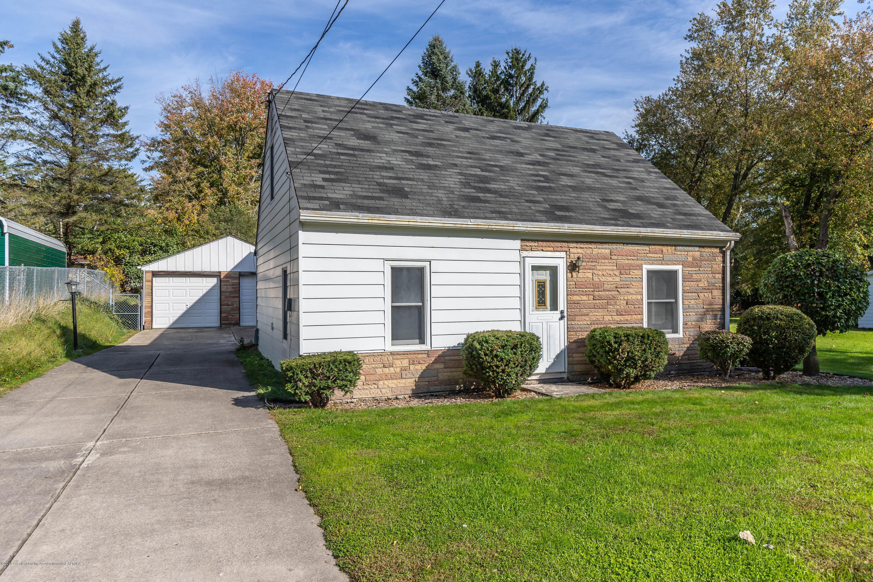 828 Hein Ave - heinfront(1of1) - 2