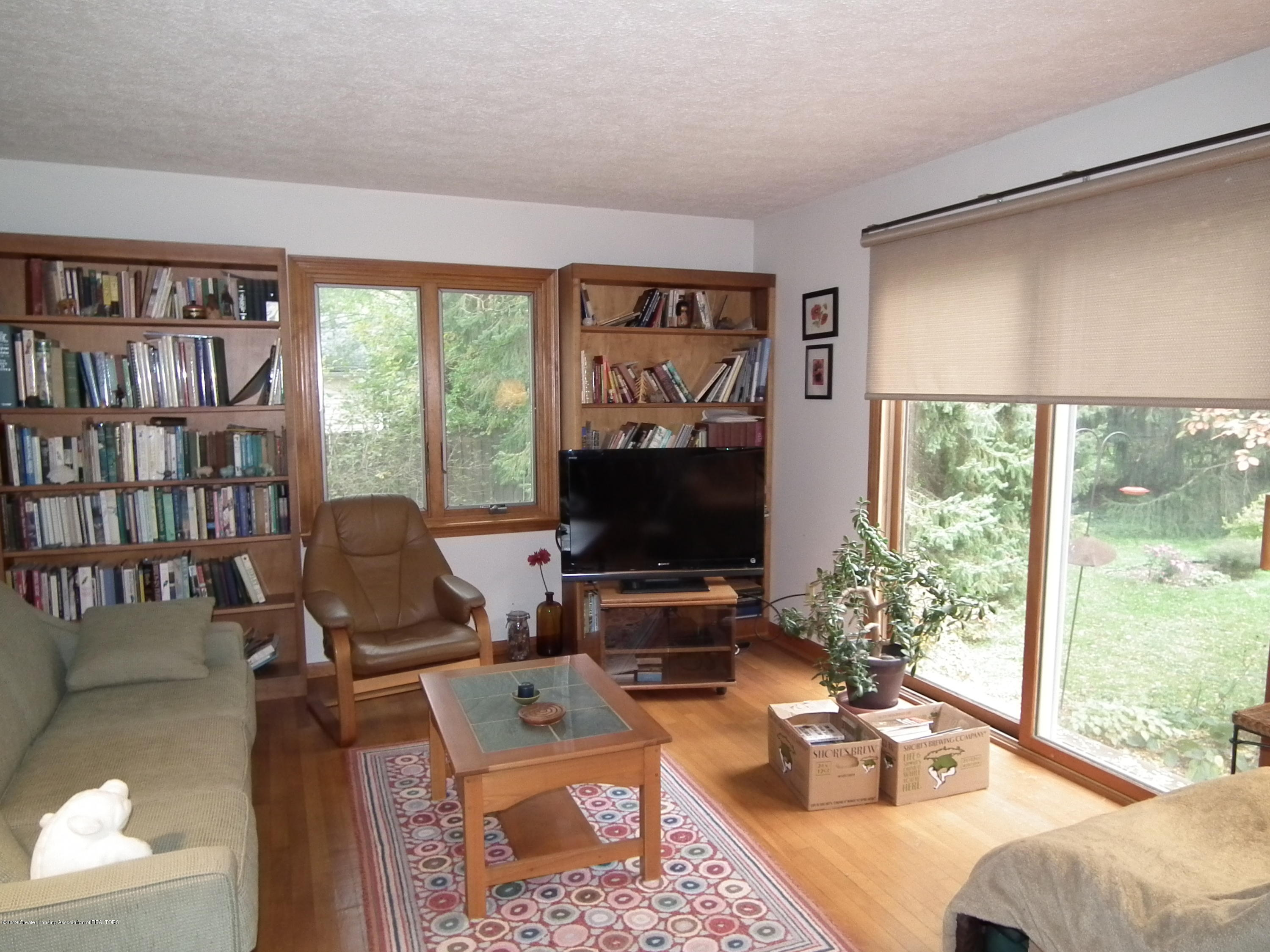 713 Spring St - Family room a - 9