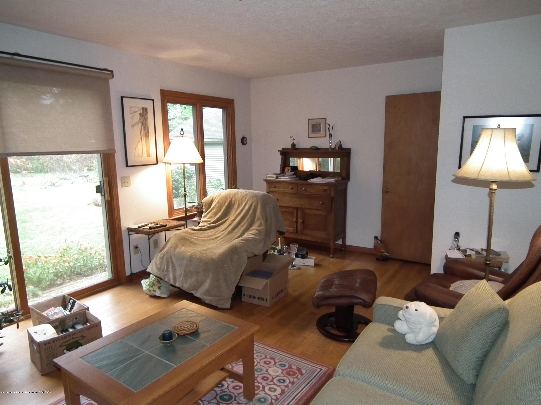 713 Spring St - Family room b - 10