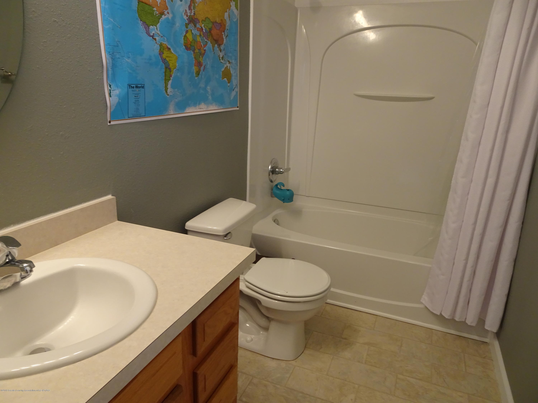 1323 Yarrow Dr - Bathroom - 16