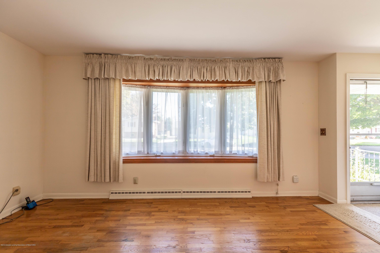 4900 Devonshire Ave - Living Room - 3