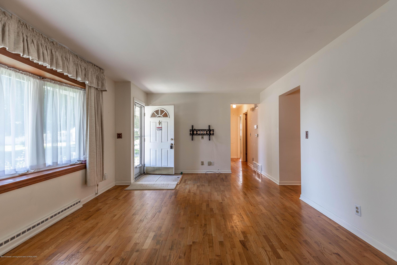 4900 Devonshire Ave - Living Room - 5