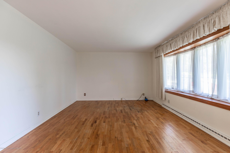 4900 Devonshire Ave - Living Room - 4