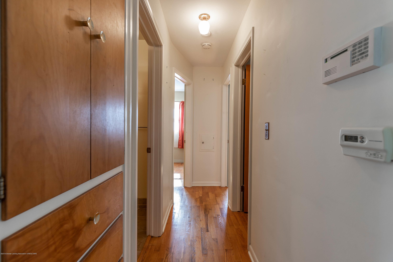 4900 Devonshire Ave - Hallway - 6