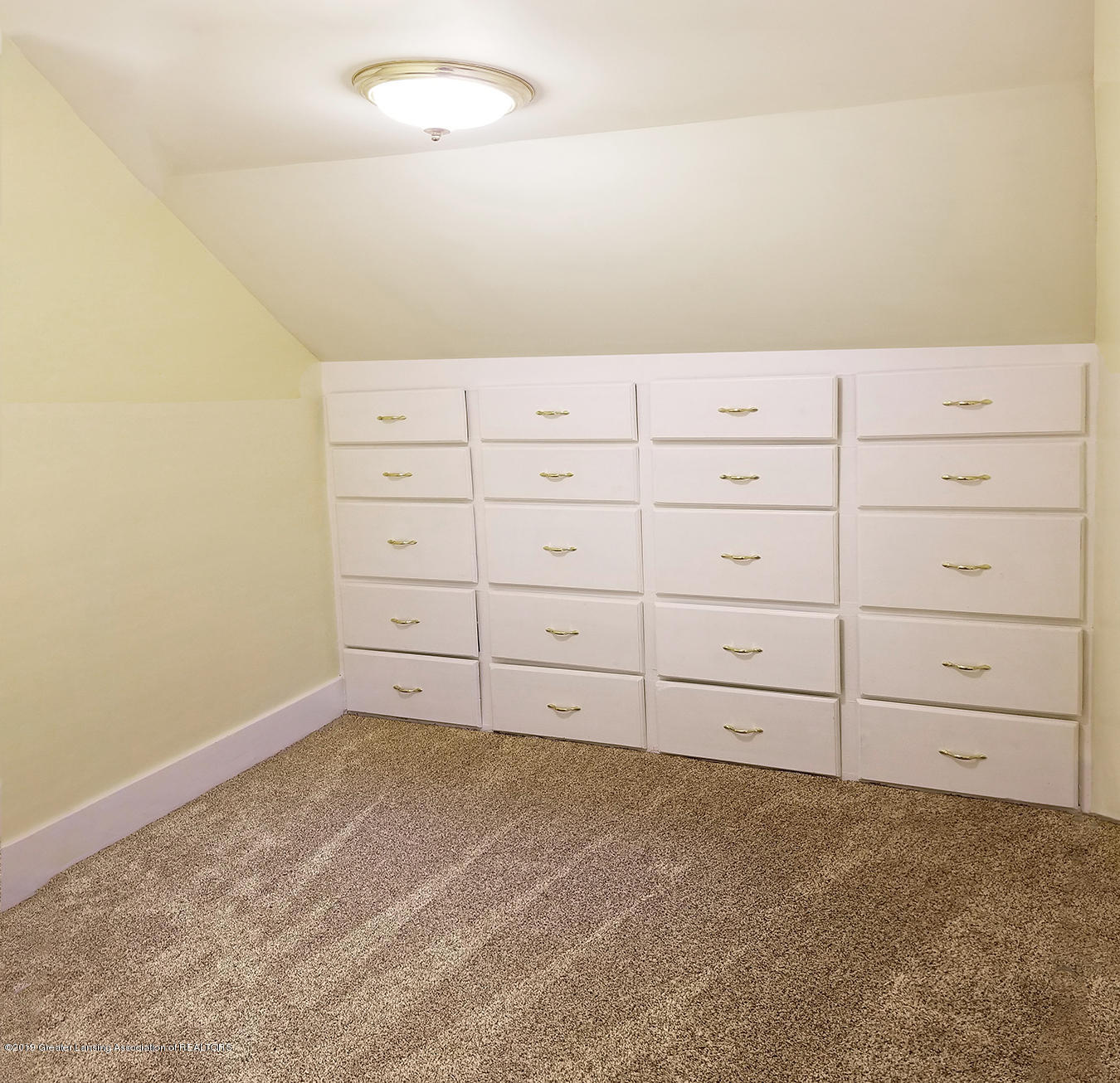 2208 Clifton Ave - Dresser Wall Area - next to upstairs bat - 17