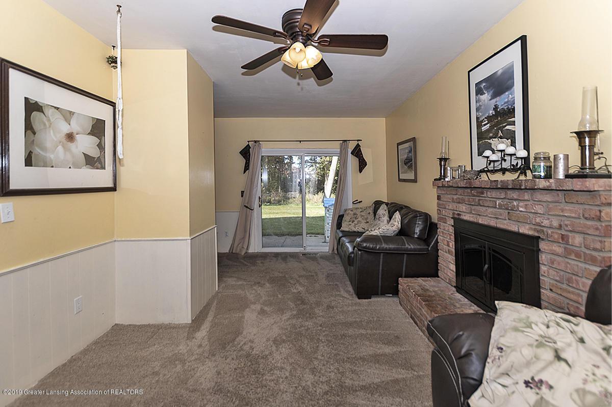 834 Tarleton - 834 Tarleton family room - 10