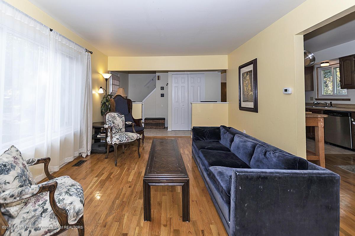 834 Tarleton - 834 Tarleton living room 2 - 3