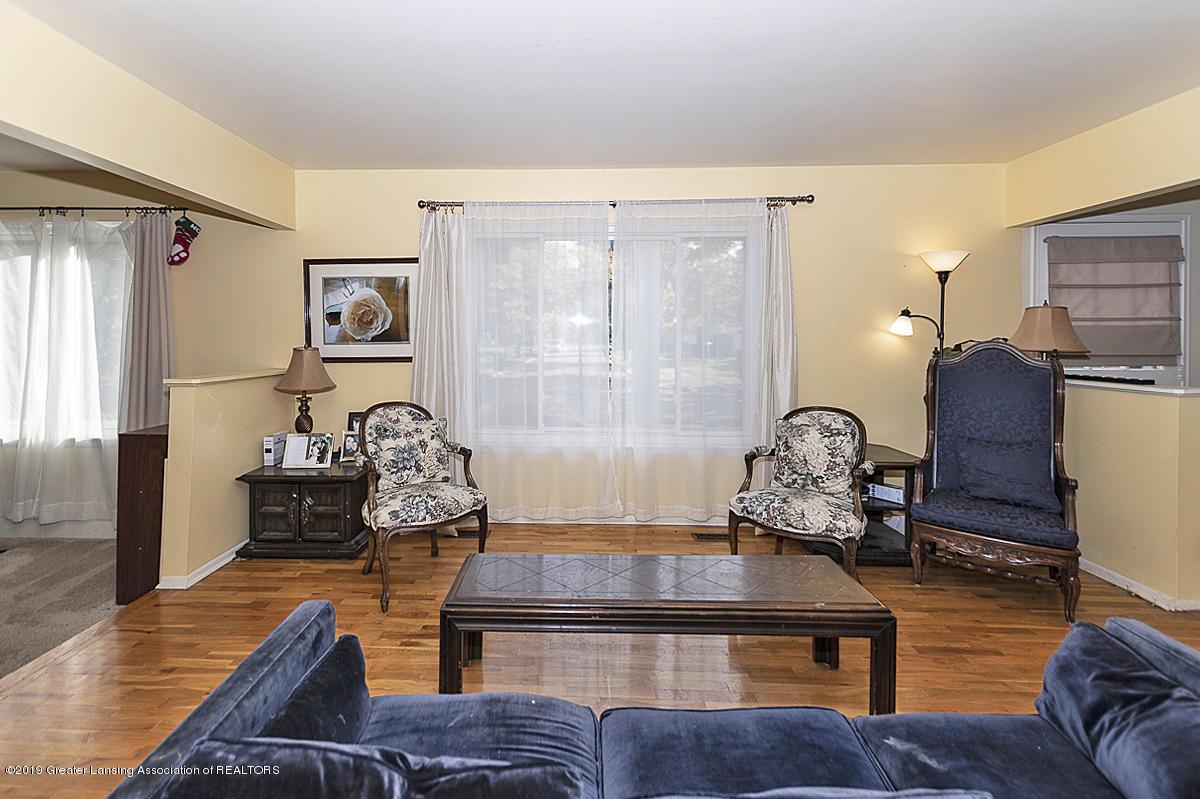 834 Tarleton - 834 Tarleton living room 3 - 4