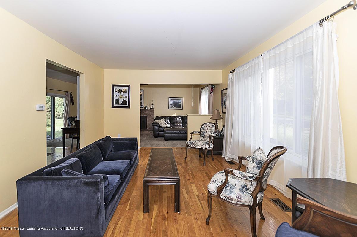 834 Tarleton - 834 Tarleton living room - 2