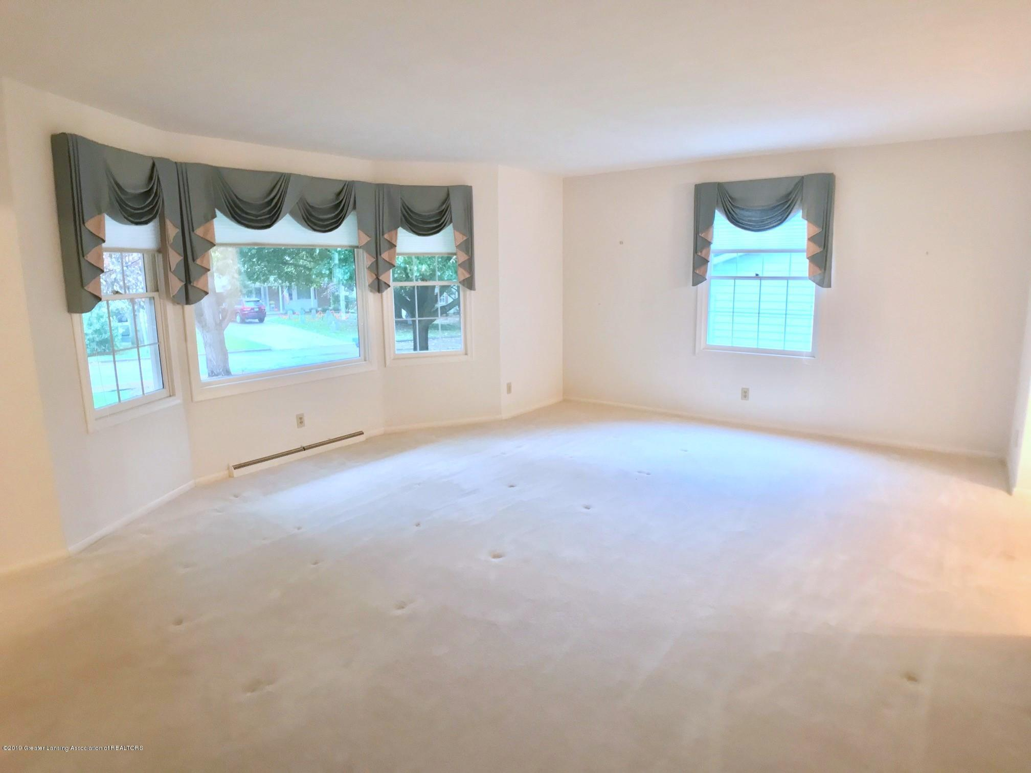1854 Penobscot Dr - Living Room - 6