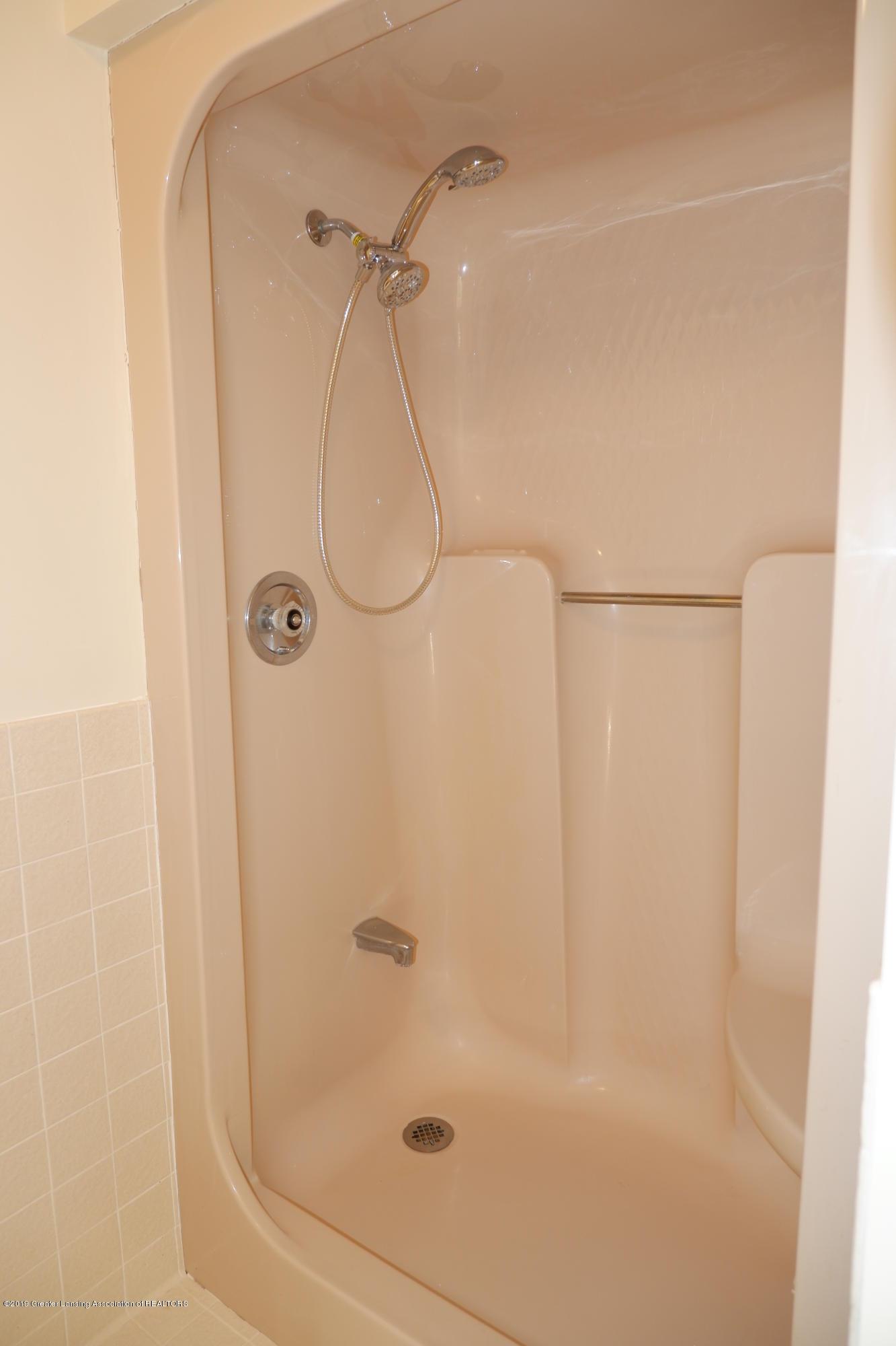 8933 W Scenic Lake Dr - Shower in master bathroom - 27