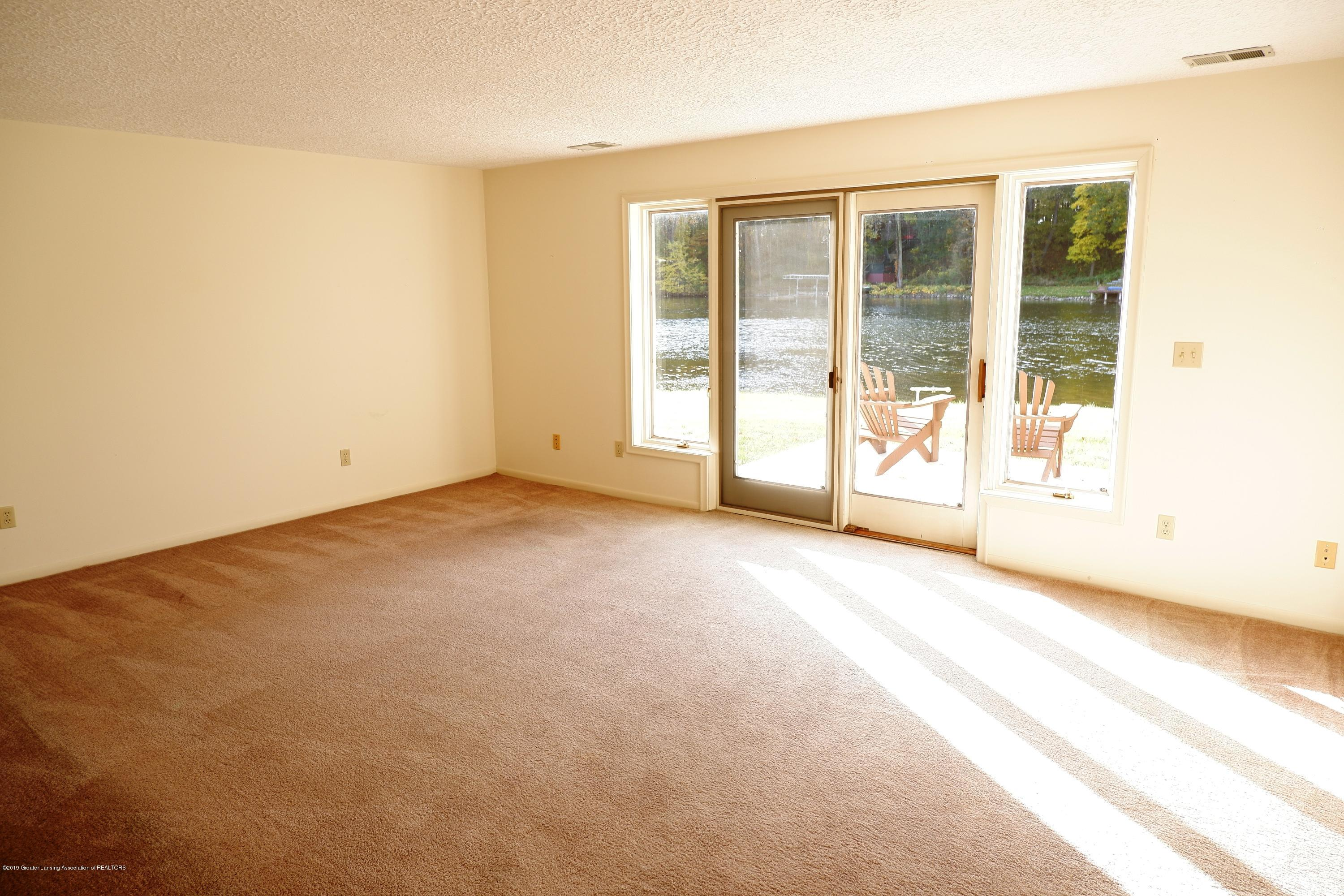 8933 W Scenic Lake Dr - Lower level family room - 32