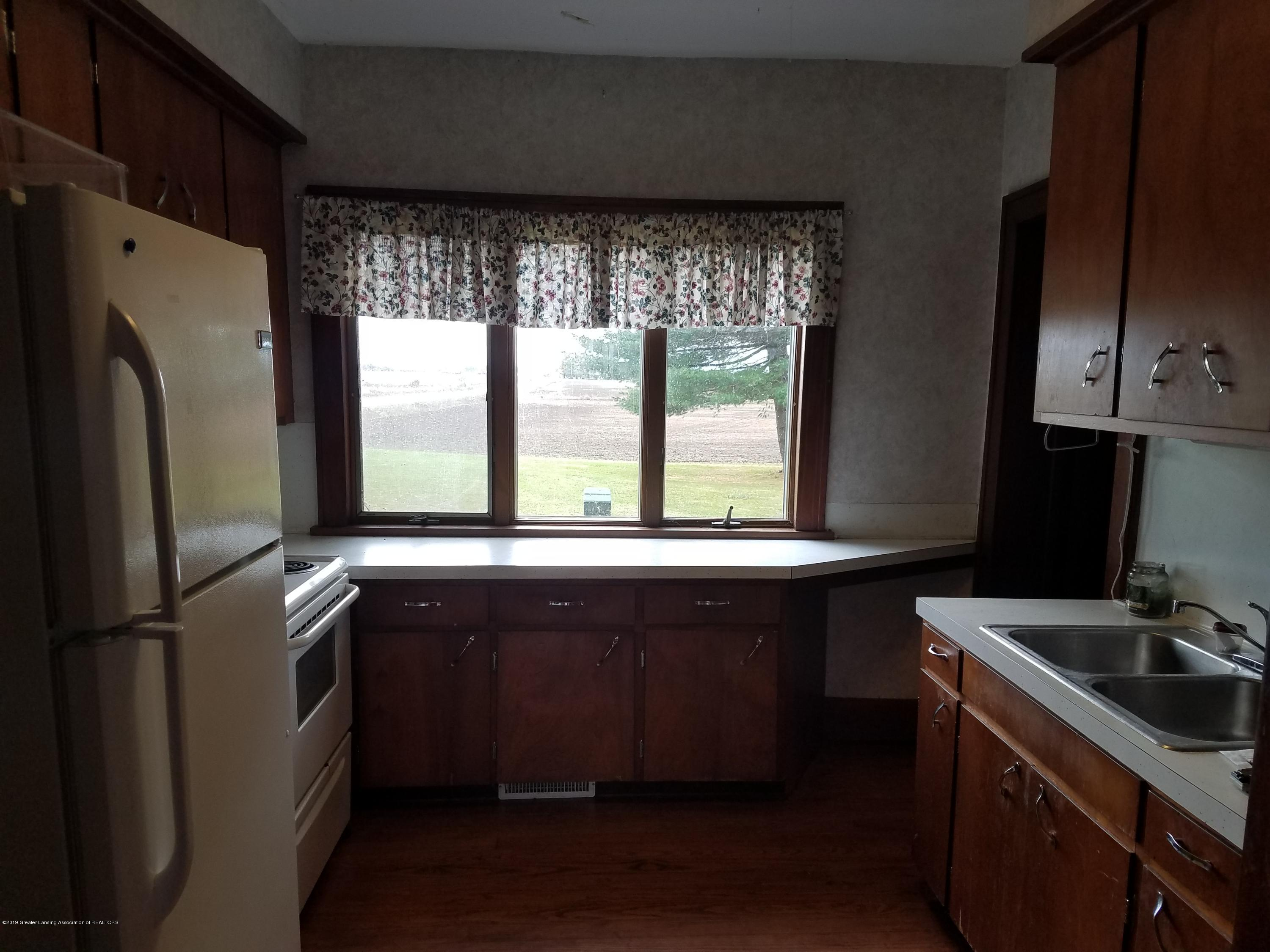 5239 N Forest Hill Rd - Kitchen - 2