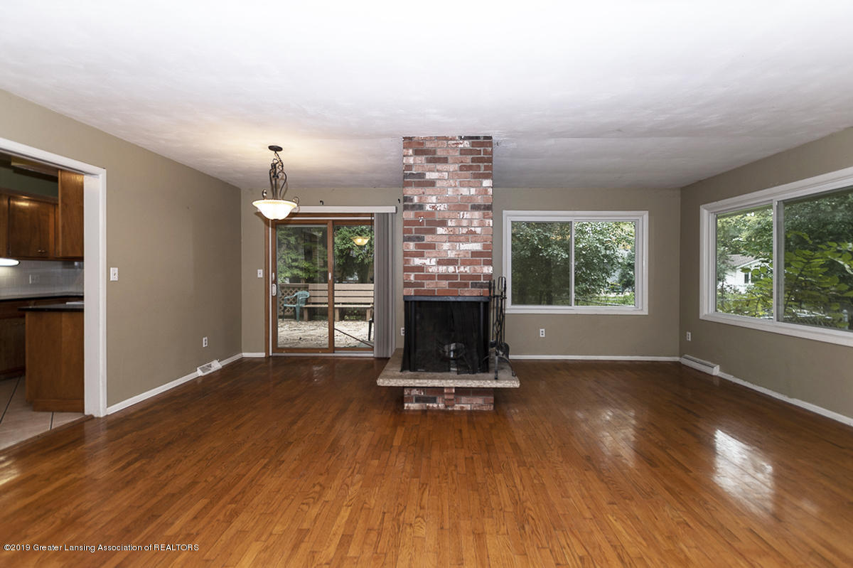2691 Blue Haven Ct - Living Room - 2